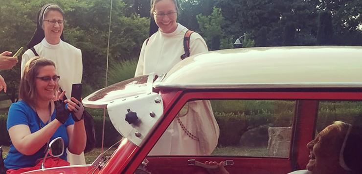 Benediktiner Schwestern iphone Goggomobil Entschleunigung